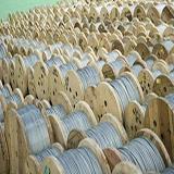 Foto ilustrativa -  Fabricante de cabo de aço encapado